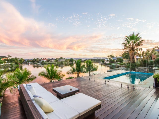 114 Santa Cruz Boulevard, Clear Island Waters, Qld 4226