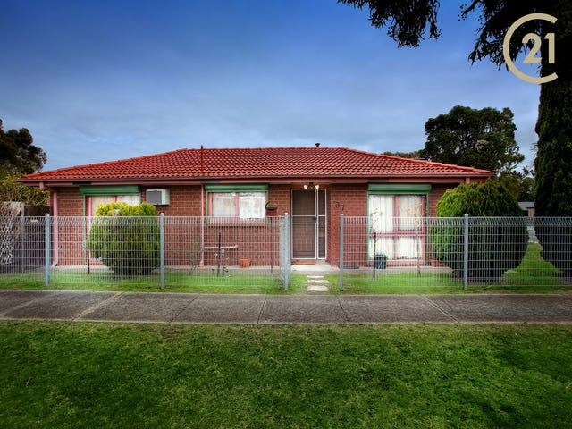 37 Blaxland Avenue, Cranbourne North, Vic 3977