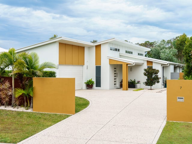7 Sovereign Circuit, Pelican Waters, Qld 4551