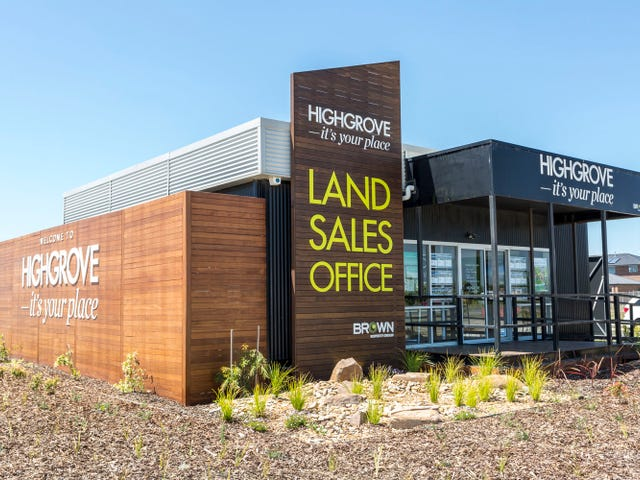 Cnr of Berwick-Cranbourne Rd & Newbridge Boulevard, Clyde North, Vic 3978