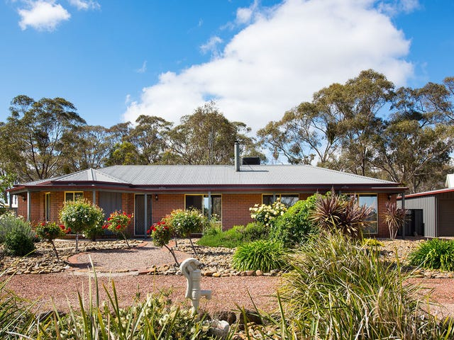 4 Burgess Court, Newstead, Vic 3462