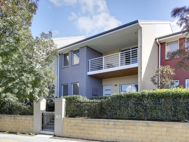 17 Parkside Crescent, Campbelltown, NSW 2560