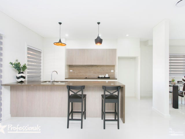 686 Henry Lawson Drive, Picnic Point, NSW 2213