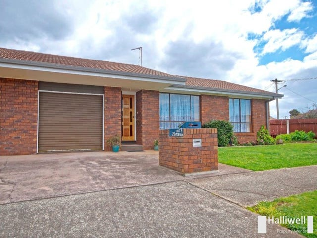 2/20 Middle Road, Devonport, Tas 7310