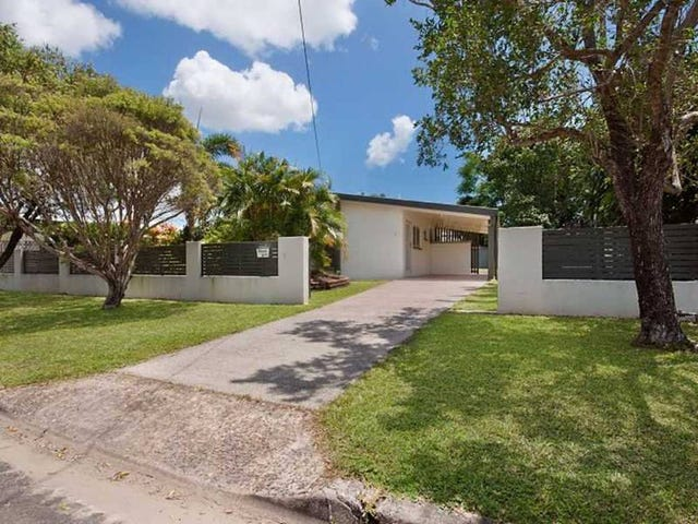2 Denman Close, Manoora, Qld 4870