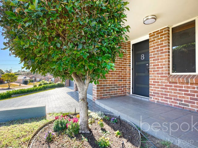 8 Woodlands Drive, Glenmore Park, NSW 2745