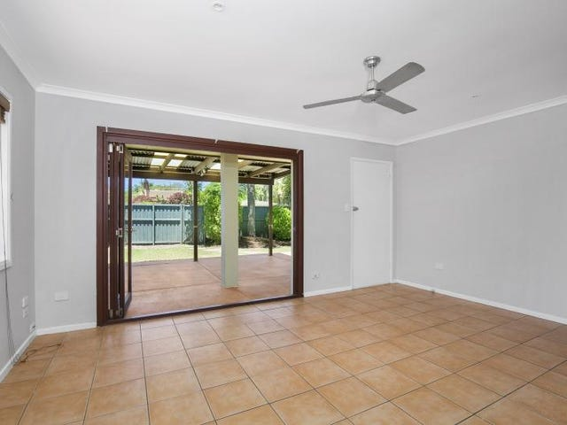 1/8 Leyte Avenue, Palm Beach, Qld 4221