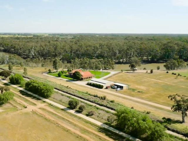 1135 Perricoota Road, Moama, NSW 2731