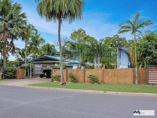 12 Guava Street, Holloways Beach, Qld 4878