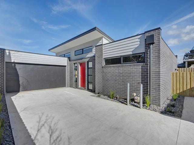 2/10 Bakewell Street, Herne Hill, Vic 3218