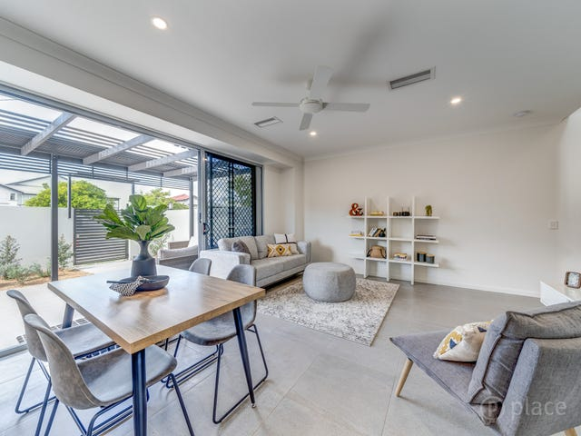 2&4/29 Victoria Terrace, Gordon Park, Qld 4031