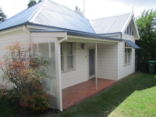 37 Freelander Street, Katoomba, NSW 2780