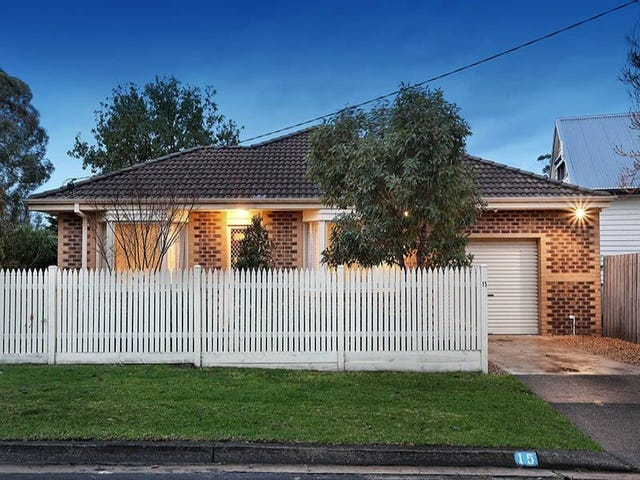 15 Campbell Grove, Mornington, Vic 3931