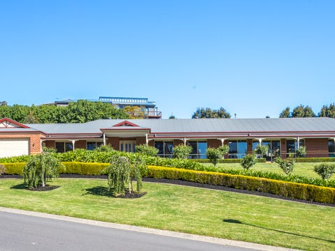 40 Holm Park Road, Beaconsfield, Vic 3807