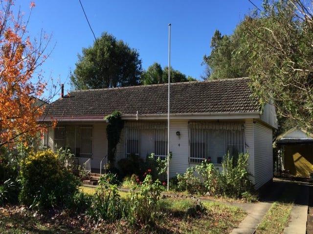 4 Leatham Ave, Nowra, NSW 2541