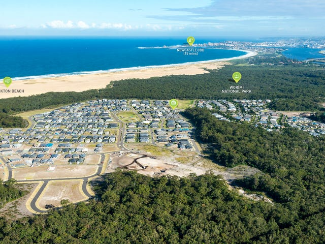 Seaside Boulevard, Fern Bay, NSW 2295
