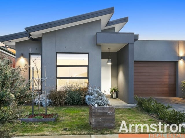 17 Rocky Point Road, Armstrong Creek, Vic 3217