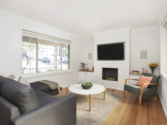 1/8 Dernancourt Avenue, Engadine, NSW 2233