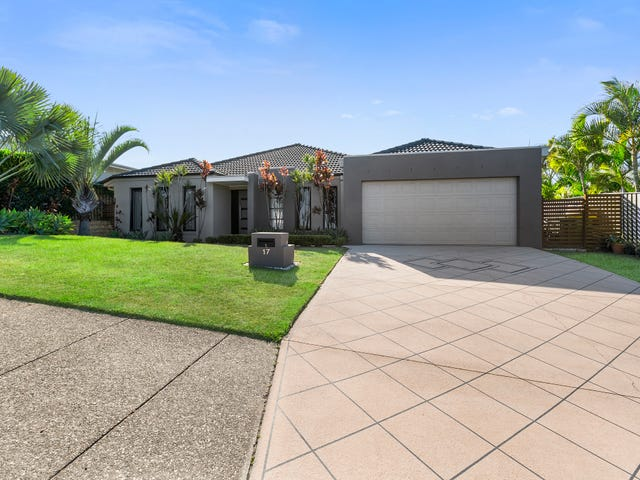 17 Springwood Avenue, Pacific Pines, Qld 4211