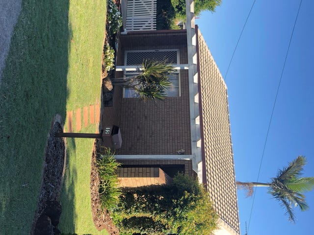 12 Kingsford Smith Drive, Wilsonton, Qld 4350