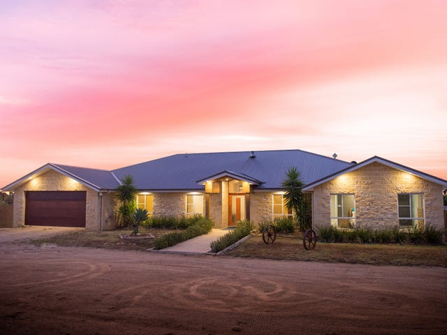 33 Old Monteagle Road, Young, NSW 2594