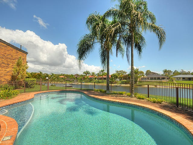 @/22 Dunlop  Court, Mermaid Waters, Qld 4218