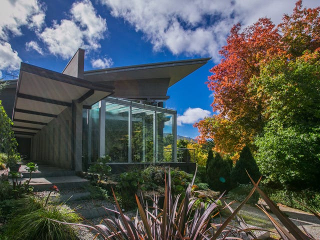 Mount Macedon, address available on request