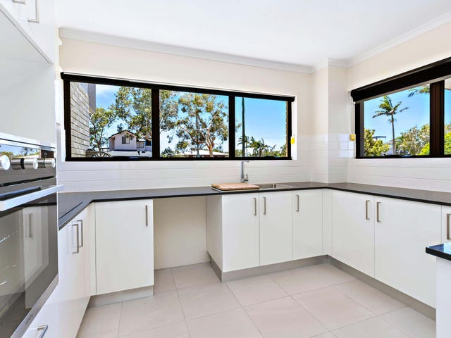 2/14 Queen Street, Kings Beach, Qld 4551
