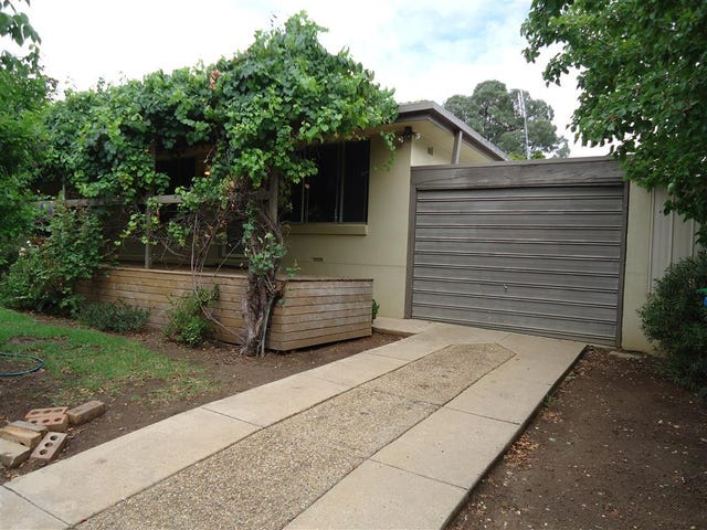 2/8 Ries Crescent, Tolland, NSW 2650
