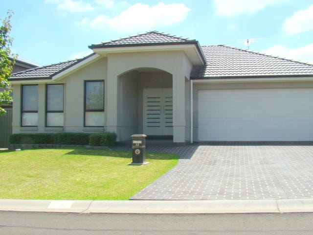 32 Franzman Avenue, Elderslie, NSW 2570