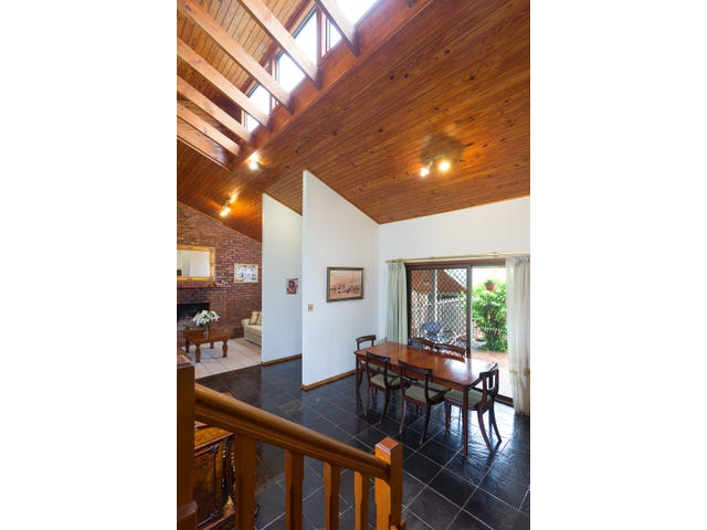158 Greentrees Ave, Kenmore Hills, Qld 4069