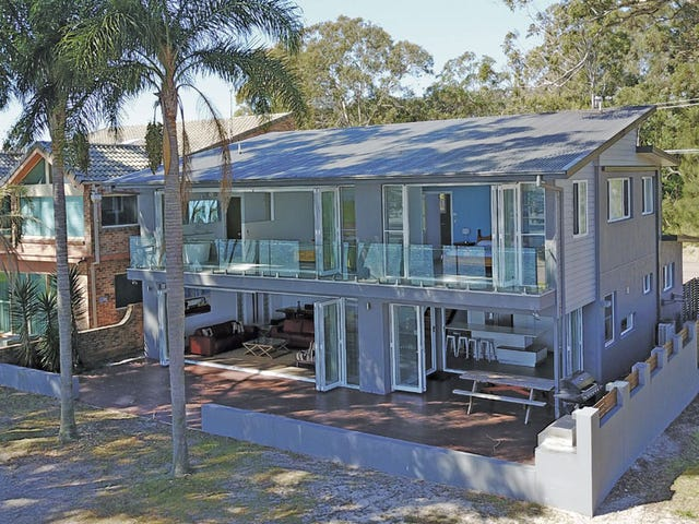 70 Sandy Point Road, Corlette, NSW 2315