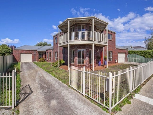 17 St. Helens Avenue, Lake Gardens, Vic 3355