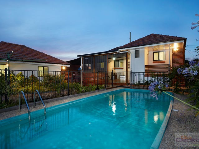 124 Marshall Road, Holland Park West, Qld 4121