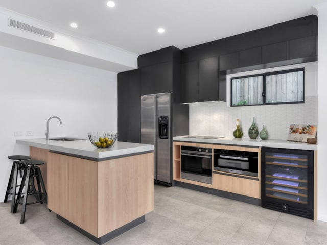 98-100  Monmouth Street, Morningside, Qld 4170