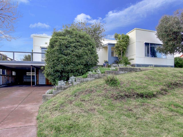 9-11 Fifth Ave, Rosebud, Vic 3939