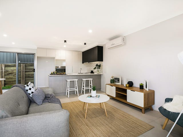 2,3,4/23 West Street, Newtown, Qld 4350