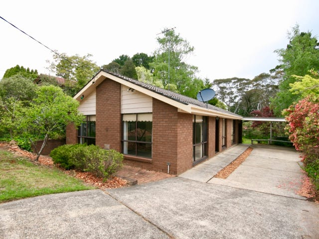 17 Toulon Ave, Wentworth Falls, NSW 2782