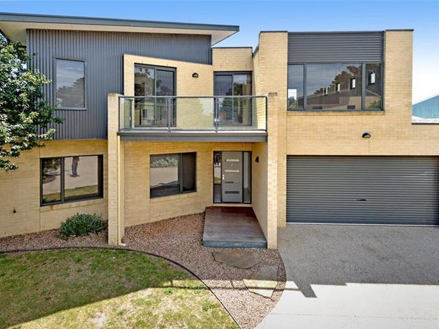 2/14 Bluff Road, St Leonards, Vic 3223