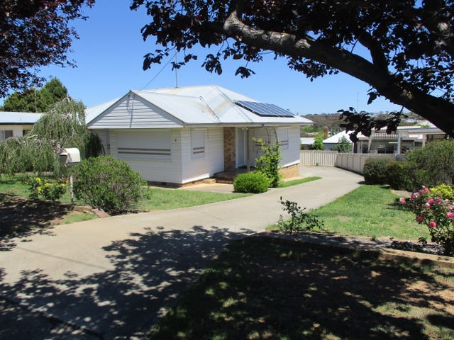4 Davies Crescent, Goulburn, NSW 2580