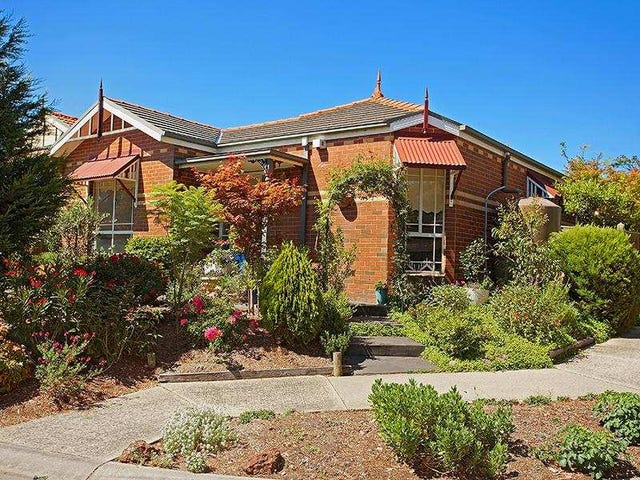 15 Feathertop Chase, Burwood East, Vic 3151