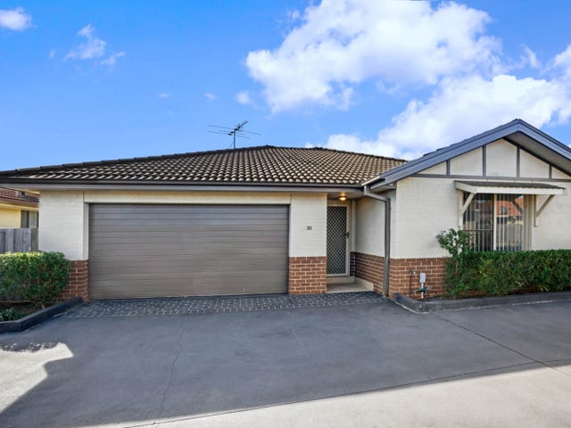 30/12 Denton Park Drive, Rutherford, NSW 2320