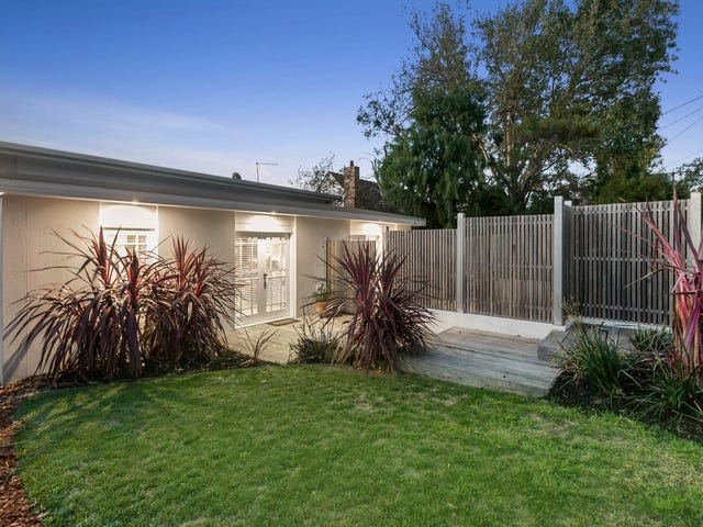 1/7 McComb Boulevard, Frankston South, Vic 3199