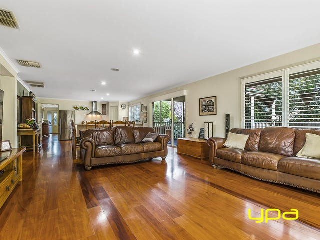 4 Bluebell Court, Melton West, Vic 3337