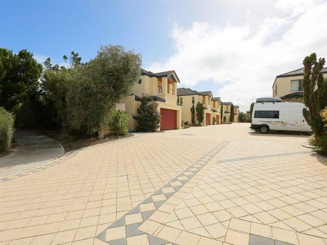 8/20 Coolangatta Retreat, Hillarys, WA 6025