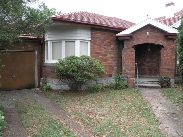 36 STRATHALLEN AVENUE, Northbridge, NSW 2063