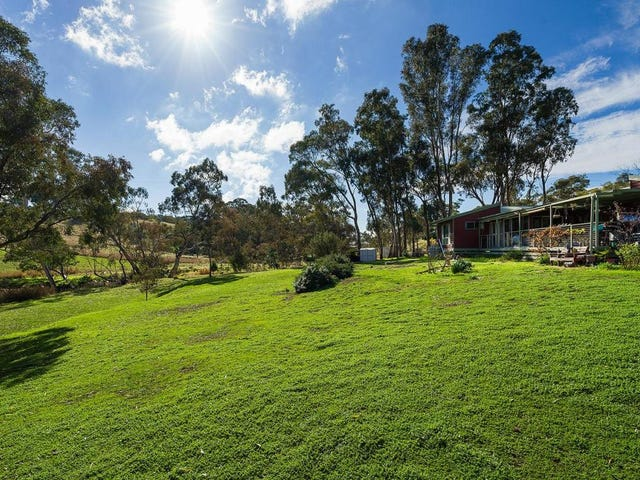 8845 Midland Highway, Barkers Creek, Vic 3451