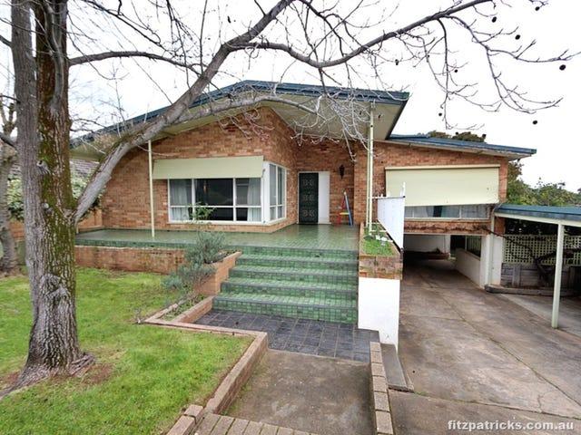 65 Warrawong Street, Kooringal, NSW 2650