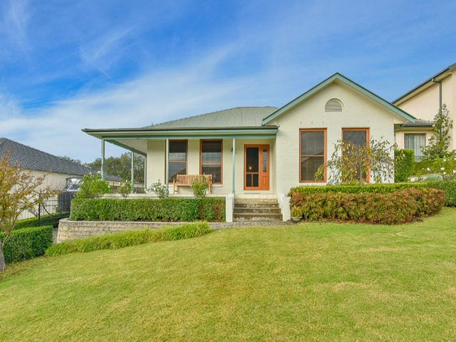 13 Governors Way, Macquarie Links, NSW 2565