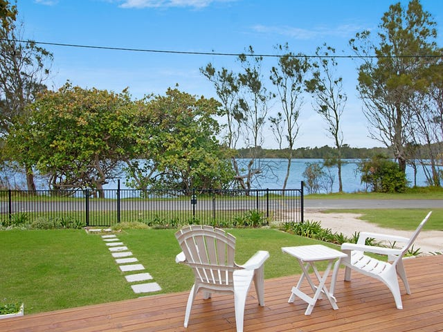 13 Wommin Lake Crescent, Fingal Head, NSW 2487